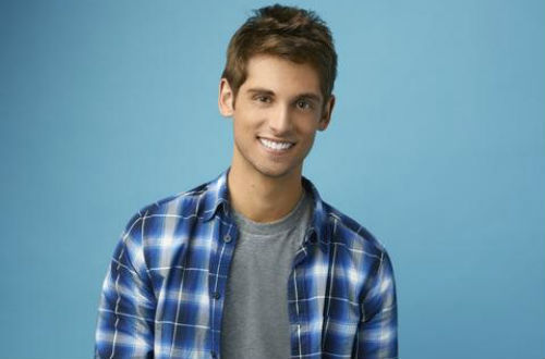 'Baby Daddy' EXCLUSIVE: Jean-Luc Bilodeau Talks Lucy Hale,  Guesting on 'Pretty Little Liars'
